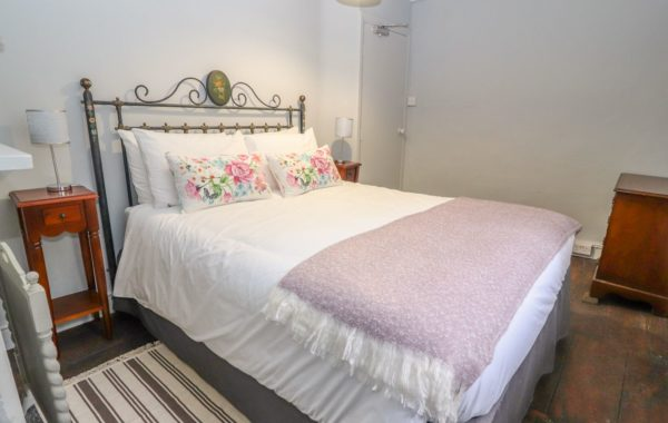 Second bedroom with king size bed