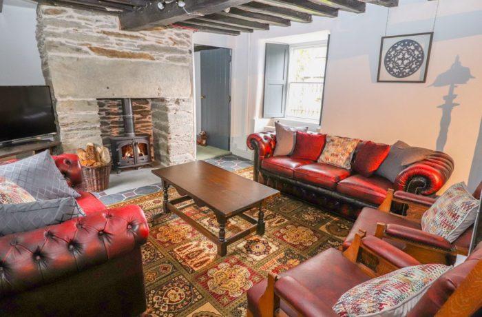 Eyton Lounge with wood burner